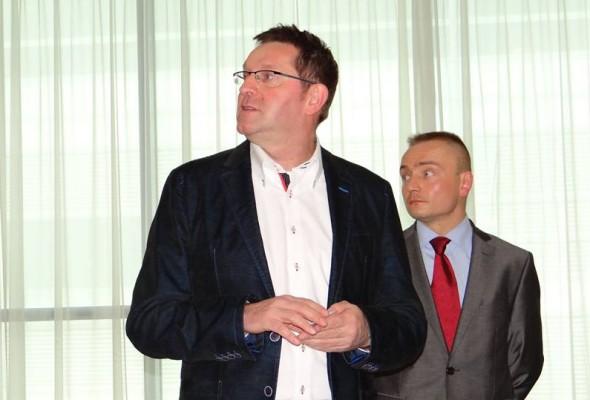 Rola i miejsce organizacji pozarządowych w procesie tworzenia prawa w Polsce – Marek Woch z: Ks. dr Arkadiuszem Nowakiem